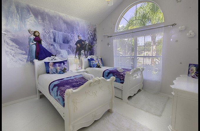 Frozen Twin Bedroom